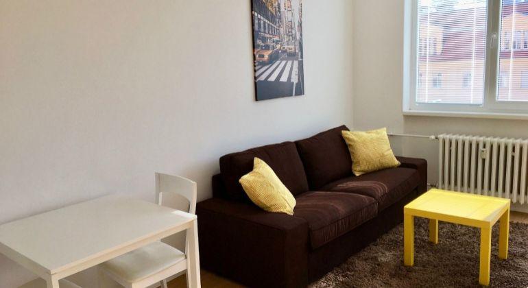 Prenájom -  pekný 1,5 izbový byt v úplnom centre, Bratislava-Staré Mesto, Dunajská ulica