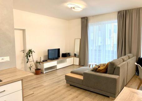 2 izbový kompletne zariadený byt s klimatizáciou a balkónom, Bratislava