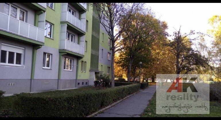 Predaj 2,5 izbový byt Bratislava-Ružinov, Šalviová ulica