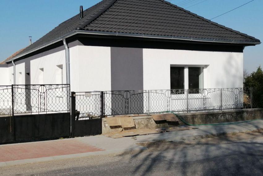 Predaj Rodinné domy Želiezovce-1