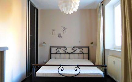 Prenájom – krásny veľký 2 izbový byt s  balkónom