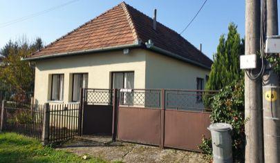 EXKLUZIVNE JEŠKOVA VES 2 izbový dom pozemok 447 m2, okr. Partizánske