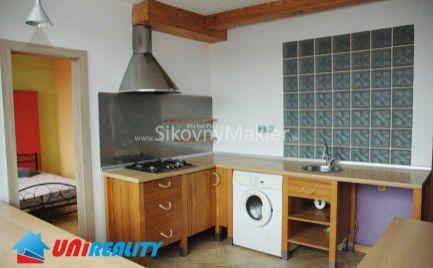 BÁNOVCE NAD BEBRAVOU - 3 izbový byt / DUBNIČKA / rekonštrukcia