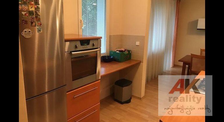 Prenájom 5 izbový byt Bratislava-Karlova Ves, Donnerova ulica