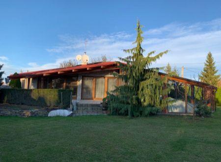 15 ročný rodinný dom Továrniky s bazénom