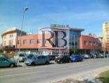 Na prenájom obchodný priestor na Hálkovej ulici v OC Slimák, BA III