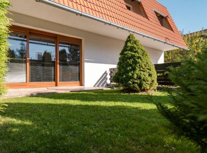 MOZARTOVA, 6-i dom, 241 m2 - POZEMOK 328 m2, blízkosť centra Bratislavy, VÝHĽAD NA ZÁPAD SLNKA