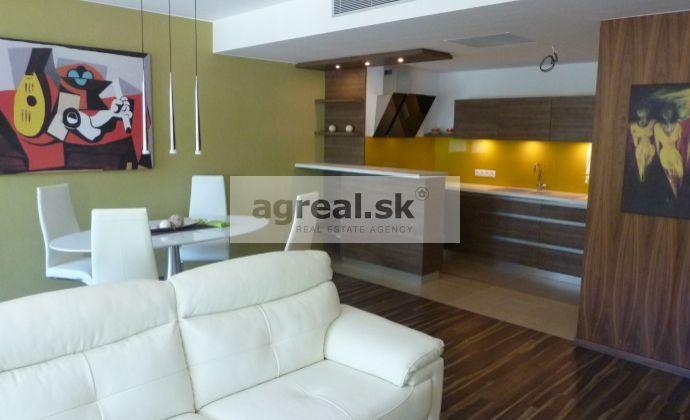 2-izbový luxusný byt River Park, zariadený, 2.NP, balkón, parking, Dvořákovo nábrežie