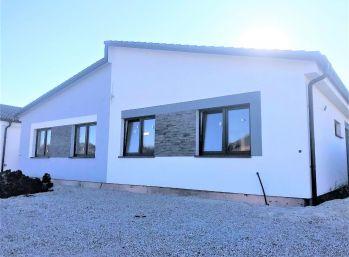 ***NOVOSTAVBA: Priestrannný 4 izb. rodinný dom v prevedení ŠTANDARD - MALACKY!!!