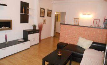 Zariadený, zrekonštruovaný 2,5 izbový byt 66m2 s loggiou pri Poluse, bez provízie RK