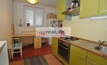 Predaj-  priestranný 1.izbový byt (44 m2 + 6,14 m2 pavlač) po rekonštrukcii, ul. Šancová, Bratislava III, Nové Mesto