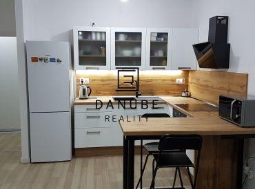 Predaj 2 izbový byt v novostavbe v obci Dunajská Lužná.