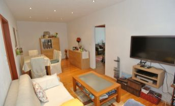 Predaj, kompletne zrekonštruovaný 3-izb.byt (69,34 m2)  s loggiou(3,12m2), Topoľčianska ulica, BA V- Petržalka