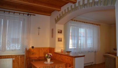 EXKLUZÍVNE NA PREDAJ - Príjemný 5 izbový rodinný dom v obci Šaštín - Stráže