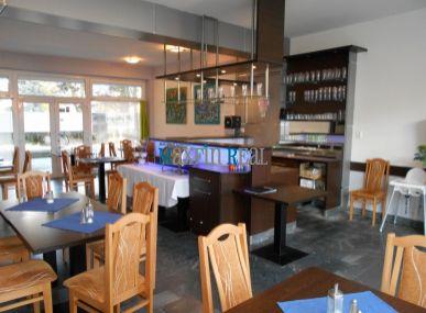 MAXFIN REAL ponúka na prenájom zariadenú reštauráciu v centre mesta Senica