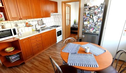 Exkluzívne v APEX reality 2i. byt s balkónom po rekonštrukcii na Závalí, 51 m2, výťah, zariadený