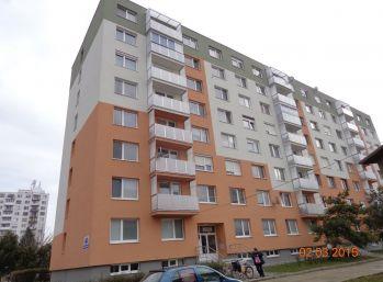Prenájom 1 izbový byt Sereď Novomestská ul.