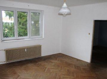 2-i byt, 68 m2 – TEHLOVÝ BYT, balkón, tichá lokalita