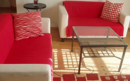Ponúkame do prenájmu zariadený 2 izbový byt v novostavbe na Zádunajskej ceste v Petržalke, blízko Incheby, 3 zastávky do centra BA.
