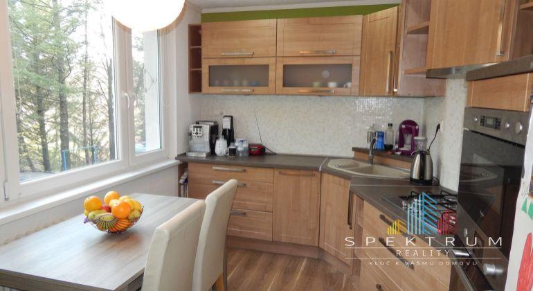 REZERVOVANE-Exkluzívne-Na predaj 3 izbový byt, 80 m2,  Handlová, okres Prievidza