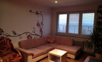 Zrekonštruovaný 2 izbový byt v Topoľčanoch.