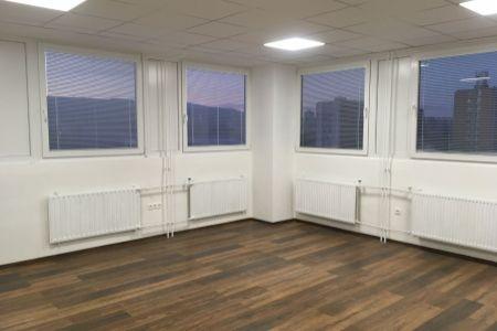 IMPEREAL - prenájom - kancelársky priestor 37  m2,  5. posch., Polianky, Bratislava IV.