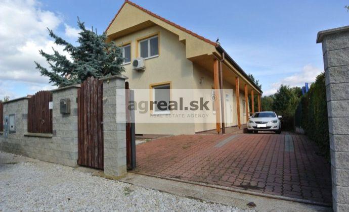 Predaj, 6- izb. rodinný dom (ÚP 194,5 m2, 798 m2 pozemok) v krásnom a pokojnom prostredí v blízkosti lesoparku Vrakuňa, ul. Repíková, BA II- Vrakuňa