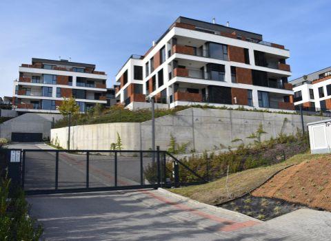 Na prenájom 4izbový ešte neobývaný byt v novostavbe Nová Koliba na úpätí Karpát