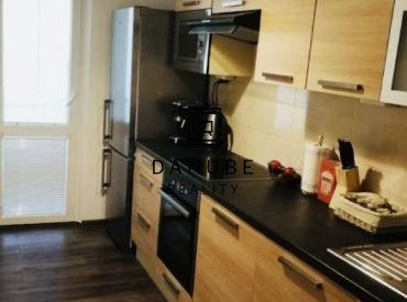 Predaj 3,5 izbový byt v Novom meste na ulici Československých parašutistov, Bratislava