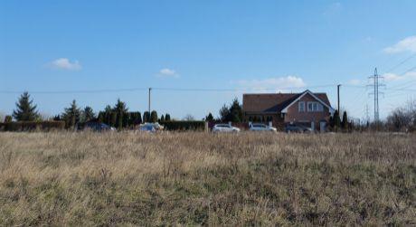 Pozemok pre rodinné domy,alebo bytový dom je na predaj-Ružinov