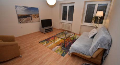 Na predaj zariadený 2 izbový byt, 68 m2, Trenčín, ul. 28.októbra