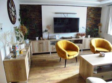 NOVOHRADSKÁ , 2-i byt, 62 m2 -tehlový, KOMPLETNE rekonštruovaný a ZARIADENÝ,  STAČÍ SA LEN NASŤAHOVAŤ a BÝVAŤ