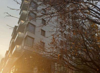 Ponúkame Vám na predaj 3 izbový byt Bratislava-Nové Mesto, Letná. + 2 garážove miesta.