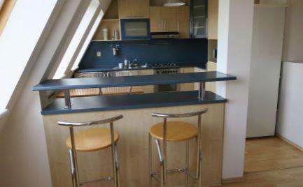 Ponúkame do prenájmu v novej nadstavbe menší 3 izbový byt na Vrútockej ulici na Trnávke, BA II.