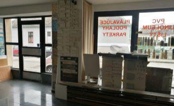 Prenájom obchodných priestorov 75 m2 v širšom centre Hlohovca.