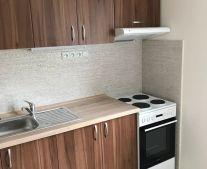 Na prenájom 2 izbový byt 61 m2 Handlová 79100
