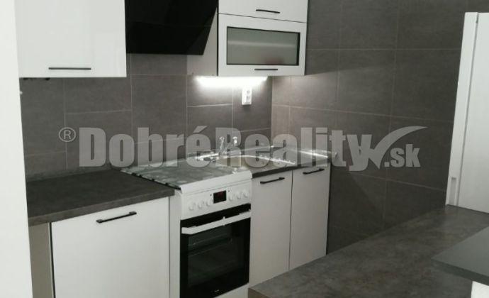 EXKLUZIVNE !..prenájom 2 izbový byt Nitra - Čermáň