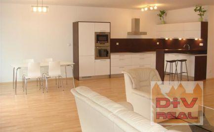 D+V real ponúka na prenájom: 3 izbový byt, Karloveské rameno, terasa, zariadený, parkovanie