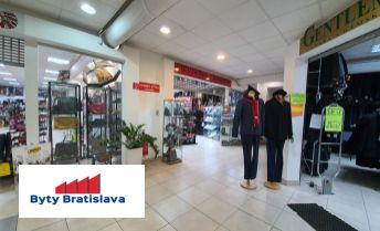 Províziu RK neplatíte!!! RK Byty Bratislava ponúka na prenájom 53m2 obchodný priestor v OC Stred, Malacky.