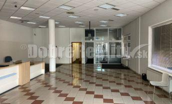 Na prenájom exkluzívne priestory na obchodné alebo kancelárske účely v centre Rimavskej Soboty