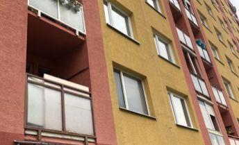 Na prenájom 2 izbový byt v Prievidzi s balkónom