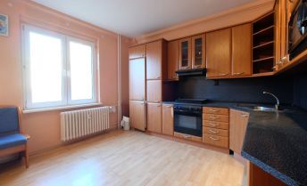 3-izbový byt s veľkou pivnicou na Riazanskej ulici