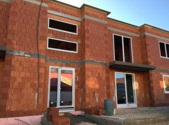 Predaj 2 x 3 izbový byt s lodžiou, novostavba, Nitrianske Hrnčiarovce, 031-113-FIK