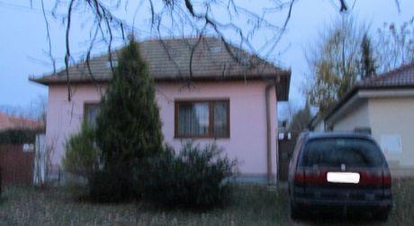 4iz.rodinný dom Zlaté Moravce-Chyzerovce