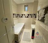 2 izbový byt  s  uzatvoreným balkonom Topoľčany prerobený na 3 izbový