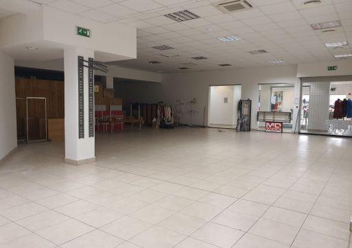 RK Byty Bratislava ponuka na prenájom 242m2 obchodný priestor v OC Stred, Malacky.