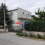 Dvojgeneračný dom, Dunajská ul., Ivanka pri Dunaji, pozemok 550 m2