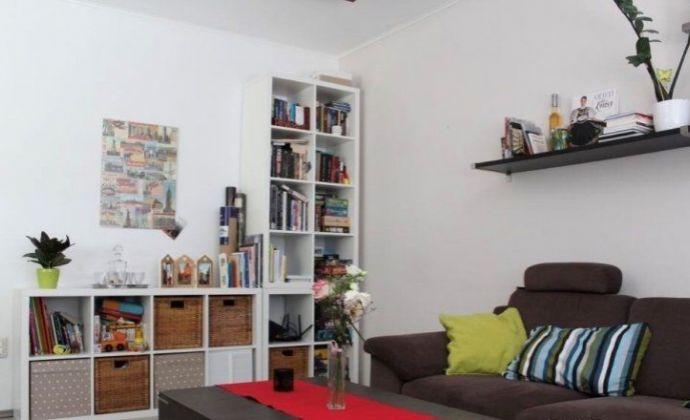 Zariadený 3-izbový byt v Senci na Svätoplukovej ulici, s loggiou, komorou a klimatizáciou
