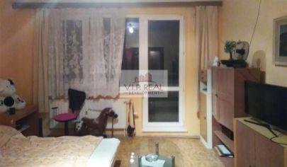 Na predaj veľký 3 izbový byt s 2x loggiou v Petržalke