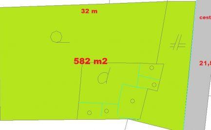 ZĽAVA!!   Stavebný pozemok 582 m2, kúsok od centra Banská Bystrica – cena  90 500€